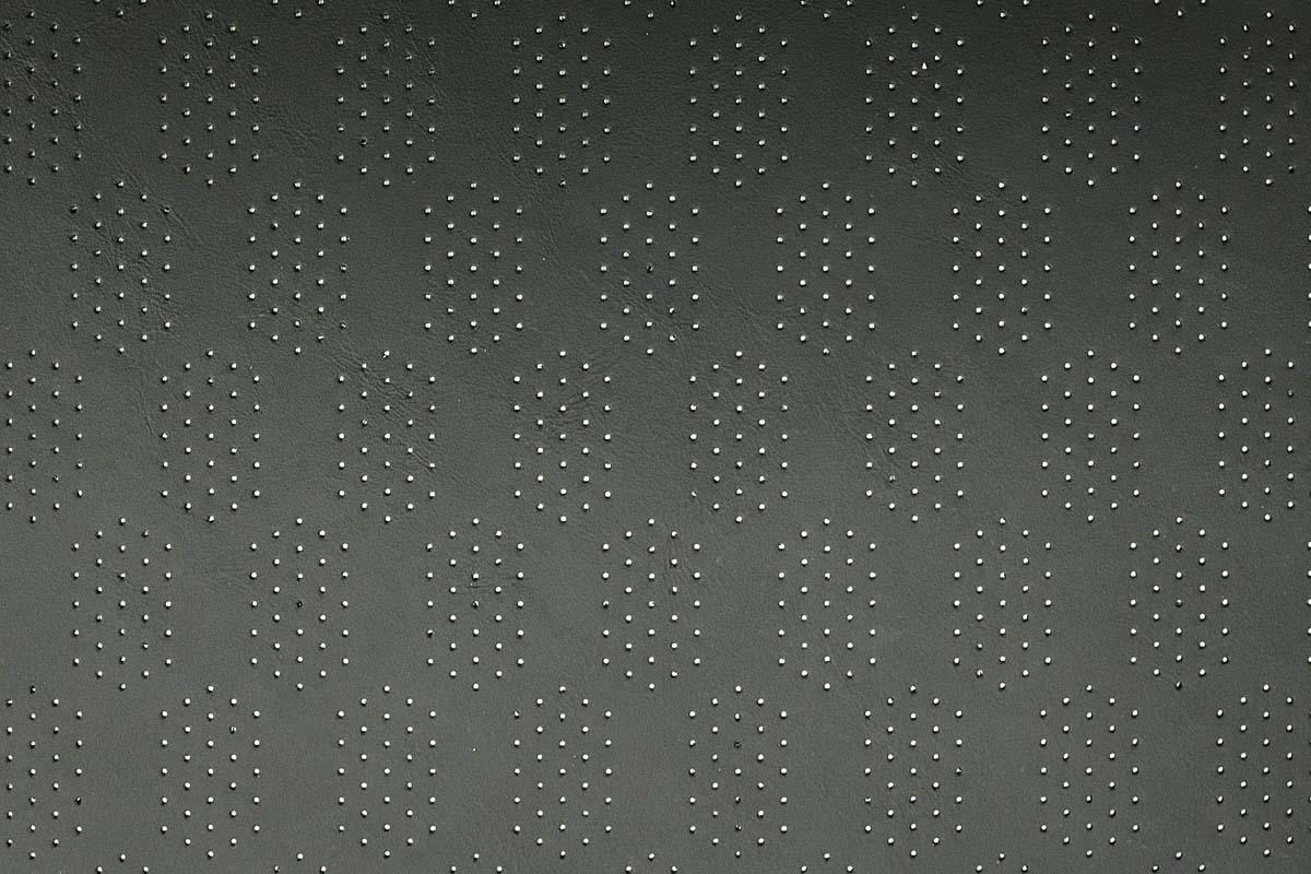 Autosattlerei Perforation